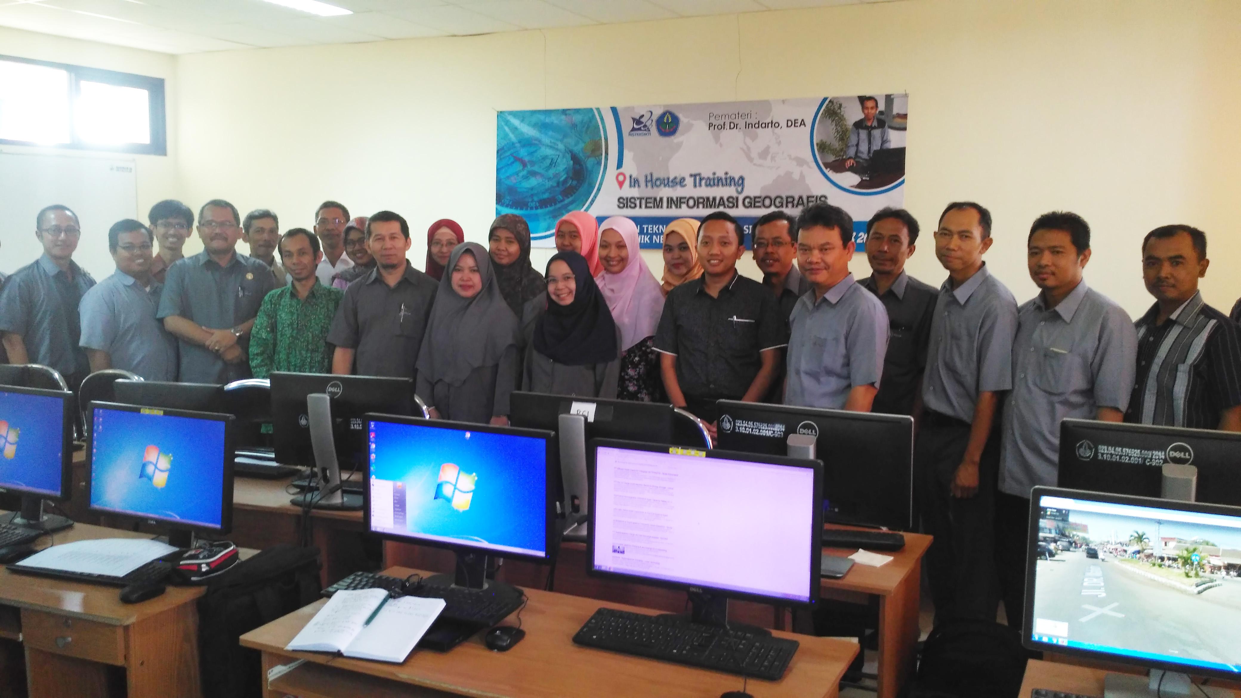 In House Training Sistem Informasi Geografis oleh Prof. Dr. Indarto, STP, DEA