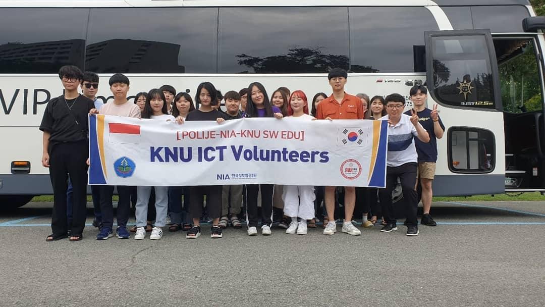 Kegiatan Summer ICT Volunteers Kyungpook National University Korea di Politeknik Negeri Jember