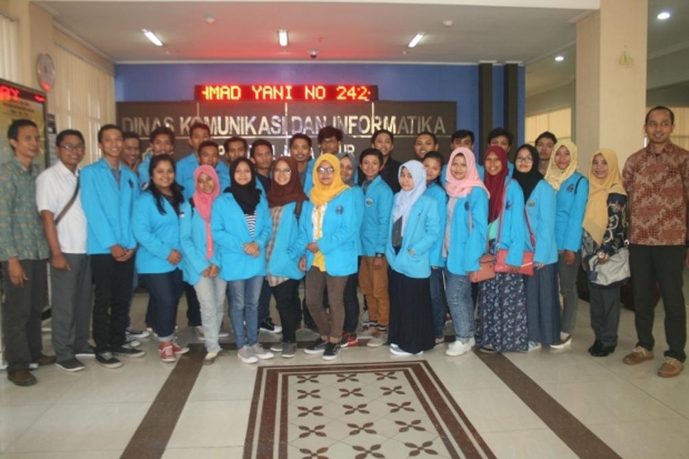 Kegiatan Praktek Lapang Manajemen Informatika Ke Diskominfo dan RADNET Surabaya