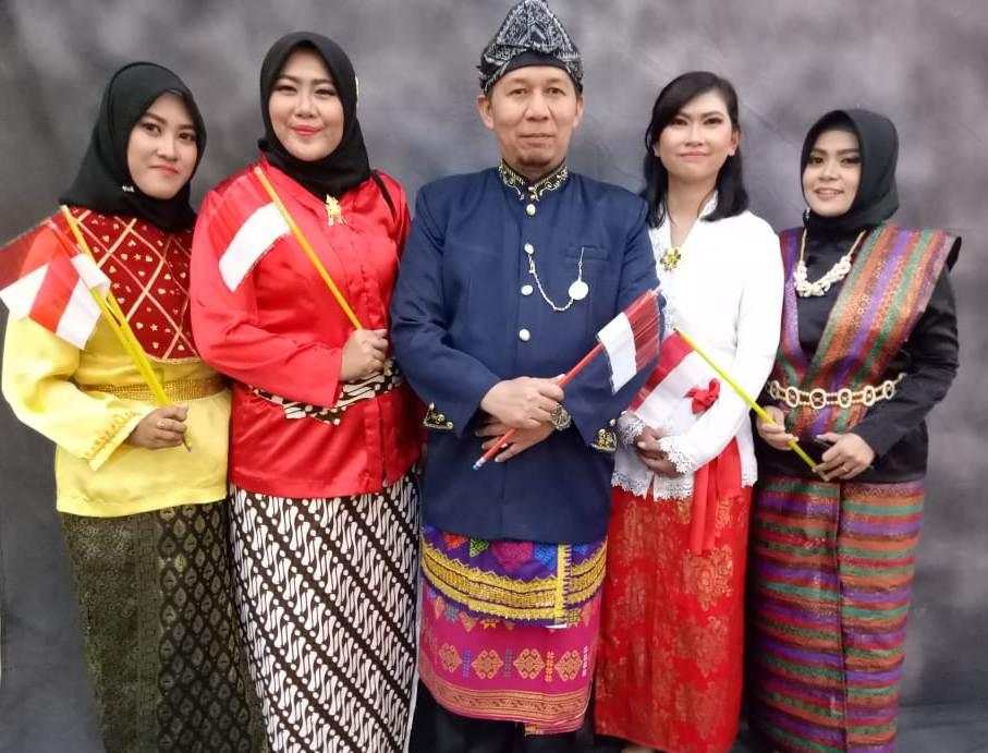 Pakaian Adat Unit Jurusan Teknologi Informasi pada Dirgahayu Kemerdakaan Republik Indonesia 2018