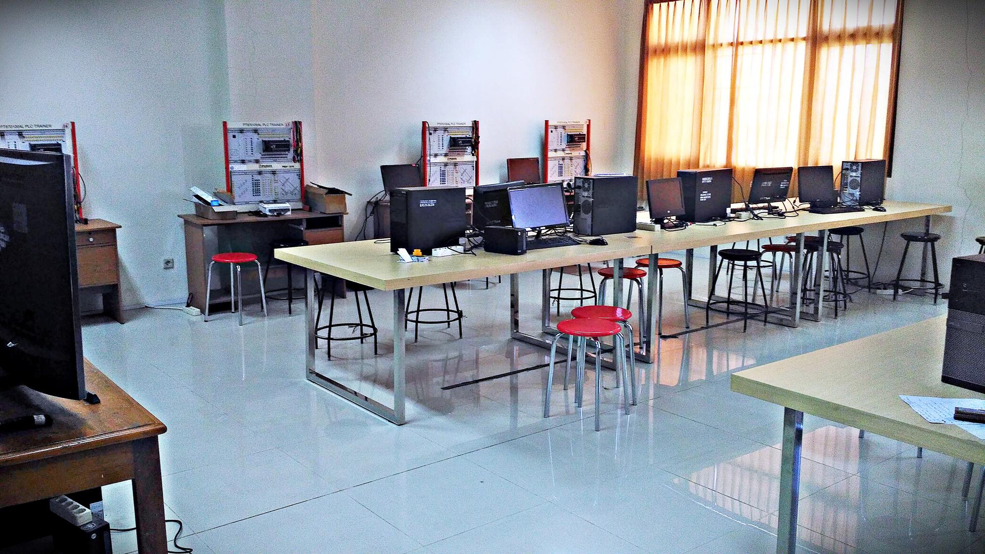 Laboratorium Sistem Komputer dan Kontrol
